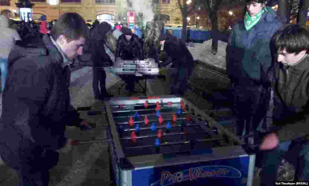 Игры для Молодой гвардии у Соловецкого камня