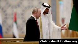 Presidenti rus, Vladimir Putin bashkë me princin e Abu Dabit, Mohammed bin Zayed Al-Nahyan.