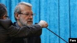 علی لاریجانی، رئیس مجلس شورای اسلامی، در نماز جمعه «روز قدس» بشدت به طرح صلح آمریکا برای حل منازعه اسرائیل و فلسطینیان حمله کرد