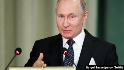 Putin Tells Prosecutors To Protect Rights Of Business Owners