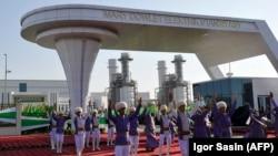 Церемония открытия нового предприятия - электростанции в Мары, Туркменистан, 8 сентября, 2018