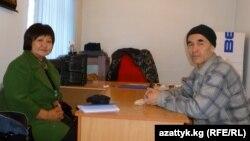 Толекан Исмаилова и Азимжан Аскаров.