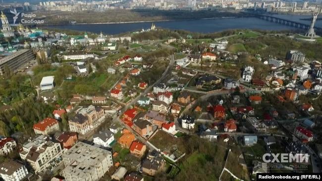 «Царське село» на Печерську у Києві