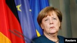 Merkel: Ključna uloga Srbije