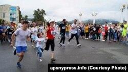 Непогода в абхазской столице не помешала спортивному празднику, в котором приняло участие 322 бегуна