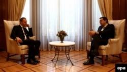 Претседателот на Европскиот Совет, Доналд Туск, со грчкиот премиер Алексис Ципрас на средба во Атина во 2016 година