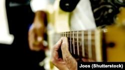 Гитар лакхар, ©Shutterstock сурт, терахь дац