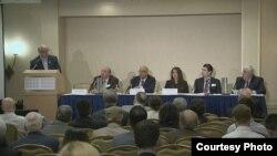 جوزيف كساّب يتحدث في المؤتمر
