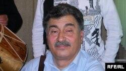 Qarmon ifaçısı Kamil Vəzirov