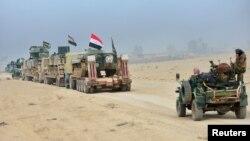 Мосулға қарай жылжып бара жатқан Ирак әскері мен техникасы. 31 қазан 2016 жыл.