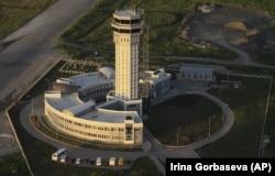 Довоєнне фото. Донецький аеропорт, 27 червня 2012 року