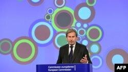 Єврокомісар із питань сусідства й переговорів щодо розширення Йоганнес Ган у Брюсселі. 10 листопада 2015 року