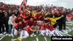 ФК Вардар ја прославува титулата шампион на Македонија за 2012.