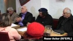 في مقهى الخميس الثقافي العراقي