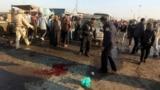 الشرطة العراقية في موقع احدى التفجيرات في مدينة الصدر