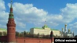 Ilustrim - Ndërtesa e Qeverisë ruse në Moskë