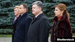 Президенты Польши и Украины с супругами