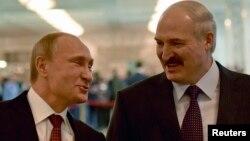 Президент Росії Володимир Путін (ліворуч) і президент Білорусі Олександр Лукашенко. Мінськ, 11 лютого 2015 року (ілюстраційне фото)