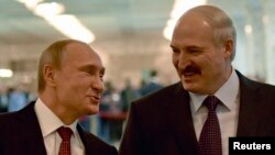 Уладзімер Пуцін і Аляксандар Лукашэнка на саміце ў Менску