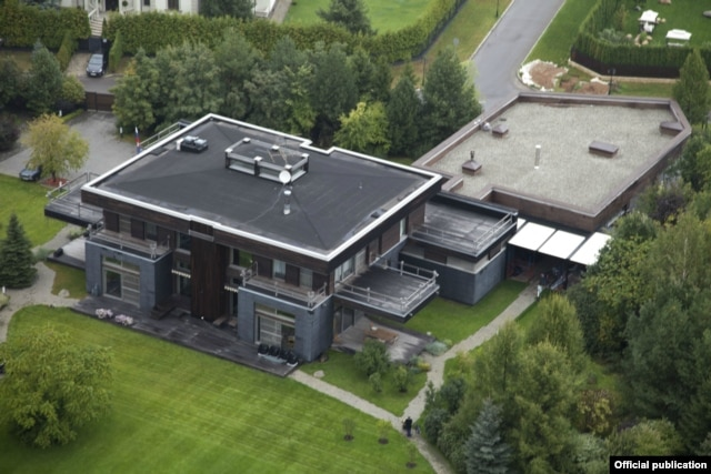 The luxury dwelling in an elite Moscow neighborhood where Dmitry Peskov and his wife now allegedly reside.