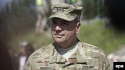 ژنرال بن هادجز سرفرمانده نیروهای آمریکایی در اروپا