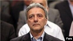 محمود نیلی احمدآبادی استاد دانشکده فنی دانشگاه تهران و سرپرست کنونی دانشگاه تهران است.