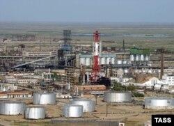 Атырау мұнай өңдеу зауытының 2006 жылы түсірілген суреті.