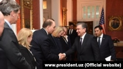 Ўзбекистон президенти Вашингтон сафари давомида АҚШдаги йирик корпорациялар вакиллари билан ҳам учрашди.