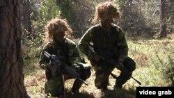Резервисты Народного ополчения Швеции во время учений на острове Готланд. 27 мая 2015 года