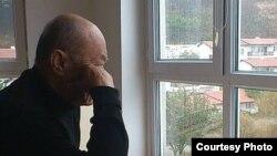 Народный поэт и автор государственного гимна Узбекистана Абдулла Арипов последние два месяца жил в доме своей дочери в США.
