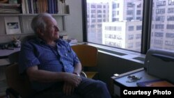 USA -- Emil Dreiser, writer, NYU professor (photo: Ivan Tolstoy)