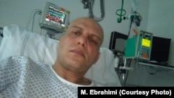 """Maziar Ebrahimi rekao je za BBC da je pristao da """"prizna"""" zločine koje su mu diktirali istražioci Ministarstva obavještajnih službi nakon što su ga mučili 40 dana."""