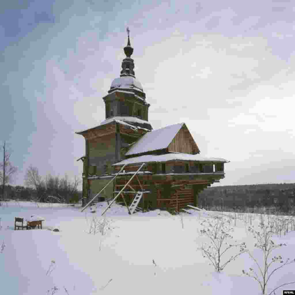 Russia's Vanishing Wooden Churches #25