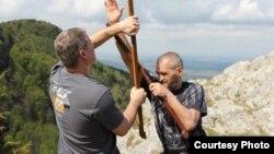 Пять лет назад первые инструкторы по бата-ри-окт появились в России