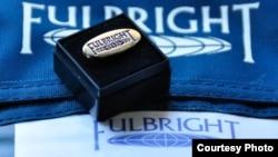 Логотип учебной программы Fulbright Foreign.