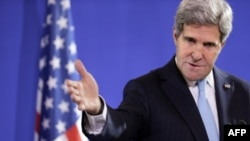 U.S. Secretary of State John Kerry says the UN Security Council must take action to cement a U.S.-Russian plan to rid Syria of chemical weapons.