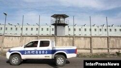 Больше всего сегодняшняя новость обрадовала осужденных на пожизненный срок. Отныне те, кто уже провел в тюрьме 15 лет, смогут просить о помиловании