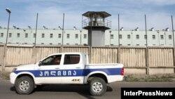 Оказавшись на свободе, бывшие женщины-заключенные сталкиваются с новыми проблемами. Представители разных НПО делают немало, чтобы помочь им пройти период социальной и психологической адаптации