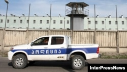 Обвиняемые в растрате государственных средств сотрудники Минобороны уже почти месяц содержатся под стражей. Столько же времени сторона защиты не может получить доступ к материалам уголовного дела