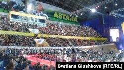 "На втором съезде организации ""Жас Отан"" в Астане. 16 ноября 2012 года."