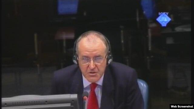 Pirs Taker svjedoči na suđenju Ratku Mladiću, 08. listopad 2012.