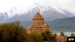 Թուրքիա -- Սուրբ Խաչ եկեղեցի, Վան, արխիվ