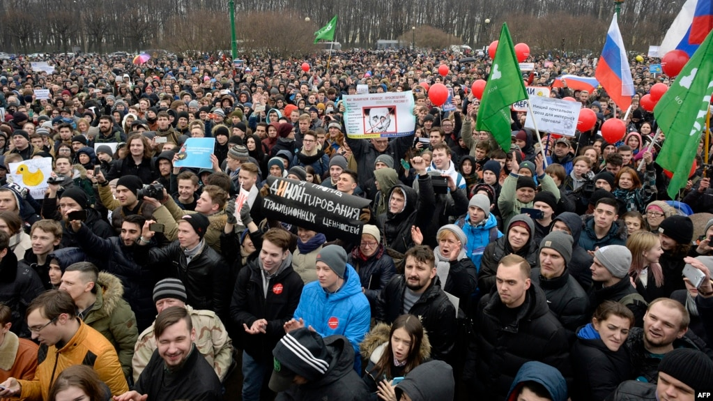 On March 26, tens of thousands of Russians in dozens of cities took to the streets to protest against rampant official corruption.