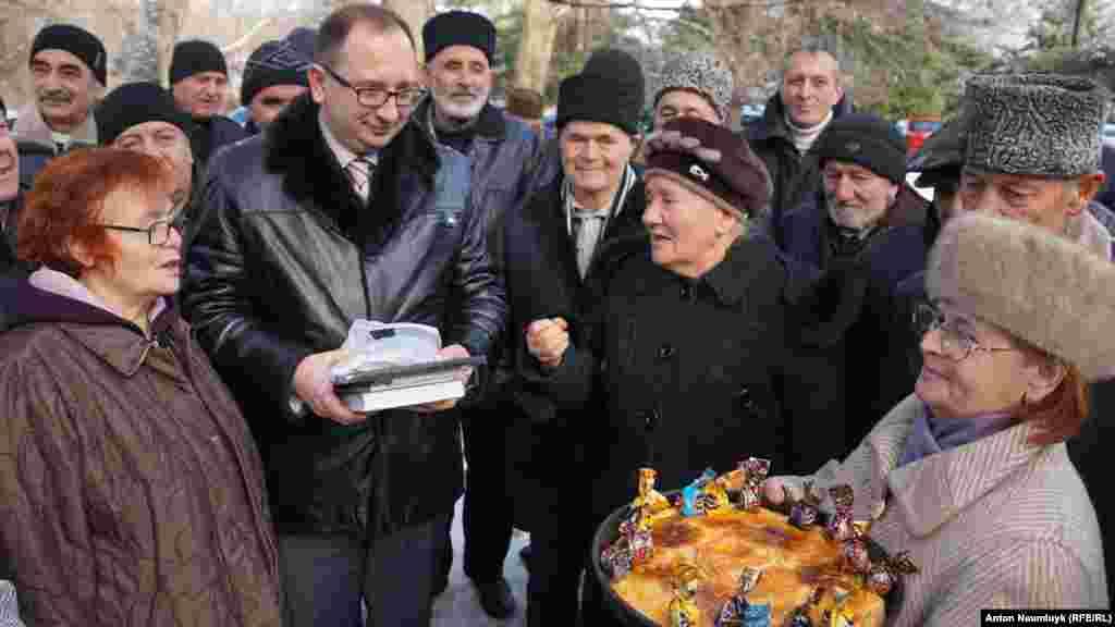 Advokat Nikolay Polozovnıñ doğğan künü