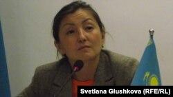 Қазақстан адам құқығы бюросының Астана филиалының жетекшісі Анар Ибраева. Астана, 23 сәуір 2014 жыл.