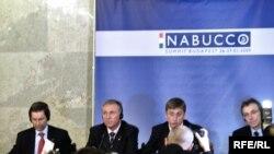 Набукко долбоорун ишке ашыруу маселеси соңку ирээт Венгриядагы жыйында кызуу талкууланган. Будапешт, 28-январь, 2009-ж.
