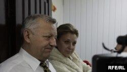 Іосіф Сярэдзіч, Сьвятлана Калінкіна падчас ператрусу ў рэдацыі «Народнай Волі»