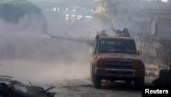نیروهای اسد و شورشیان در باقیماندههای حلب در حال نبرد با هم هستند