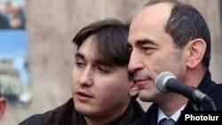 Роберт Кочарян (справа) и Армен Геворкян (архив)