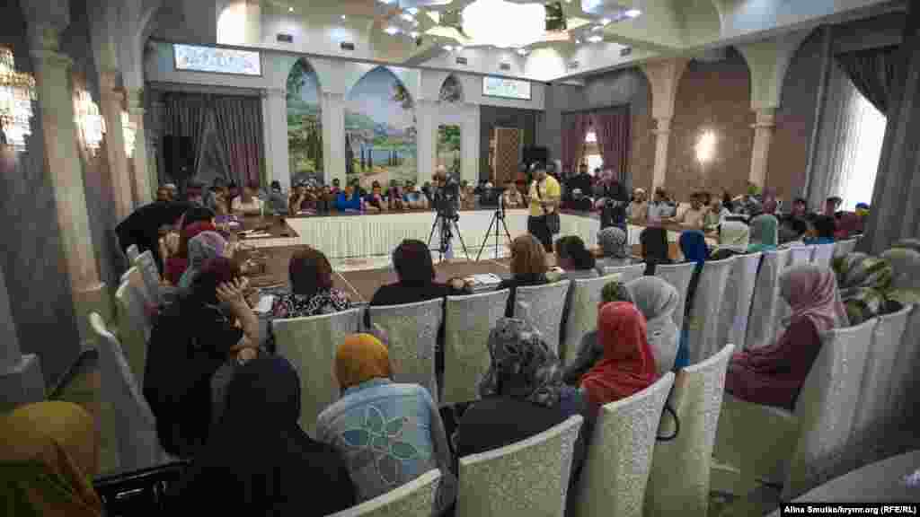 «Qırım birdemligi» cemaat birleşmesi Eski Qırımda on dörtünci körüşüvini keçirdi, 2017 senesi mayısnıñ 27-si